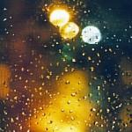 Regn genom fönster